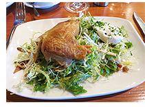 鶏肉のコンフィとサラダ