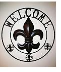 ビストロ ニューオーリンズ/壁には大きな百合の紋章