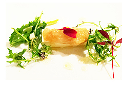 <アラスカ産>ボタンエビのタルタル新玉葱のムースにのせて