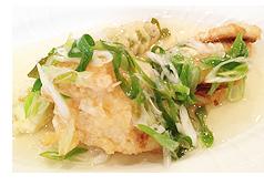 穴子とタラバガニとアスパラの天ぷらネギ酢あんかけ