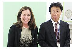 ドロシー・マコーリフ知事夫人と松浦正和校長