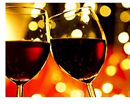 ワインで乾杯(イメージ)