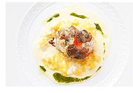「タラバガニと牛蒡と秋トリュフのグリーヴァ 奈良の地玉のスクランブルエッグと<br />パルメザンチーズのソース」