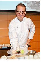 アメリカ料理界の巨匠シェフ、ロバート・デル・グランデ氏