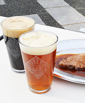 IMG: クラフトビールとステーキ