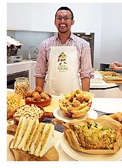 鎌倉でレストランのオーナーをしている副島モウ氏とピスタチオ料理