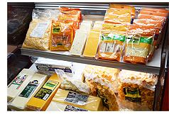 『パフィシックチーズ』ブース
