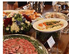 公邸内の料理
