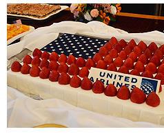 星条旗をモチーフにした独立記念日を祝うケーキ